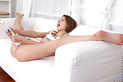 Flexible small titted Dila..