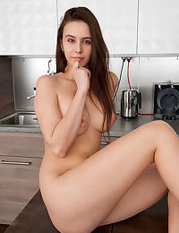 Top model alisa amore flaunts her delectable body in the kitchen - part 4024