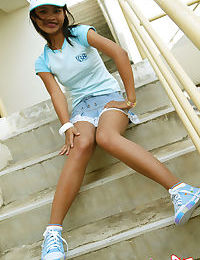 Thai cutie upskirt action outdoors and she has no panties - part 2156